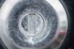 Mais frequentemente as peças usadas do carro que mal são riscadas e friccionadas imagens de stock