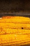 Mais mit Salz auf BBQ Stockfotos
