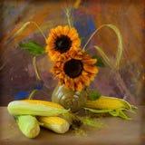 Mais und Sonnenblumen lizenzfreies stockbild