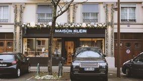 Maison克伦,家庭承包餐食者Maison克伦商店faï ¿ ½ ade法国 股票视频