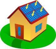 Maison à énergie solaire Photographie stock libre de droits