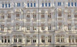Maison à plusiers étages   Photos libres de droits