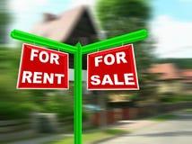Maison à vendre le signe d'immeubles Photographie stock