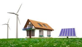 Maison écologique avec la turbine de vent et les panneaux solaires Image libre de droits