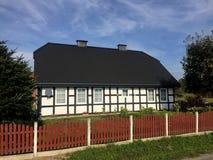 Maison élégante de village rural en Pologne image stock