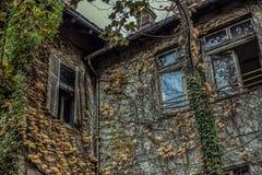 Maison abandonnée à Belgrade Photo stock