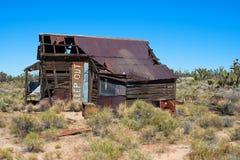 Maison abandonnée dans le désert Images libres de droits