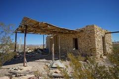 Maison abandonnée de chaux dans la ville fantôme le Texas de terlingua Photographie stock libre de droits