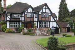 Maison anglaise typique photos stock inscription gratuite for Maison anglaise typique plan