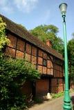 Maison antique de brique et de bois de construction photo stock