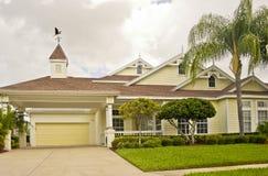 Maison avec du charme dans les tropiques photos stock