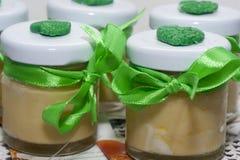 Maison biologique faite crème nourrissante image stock