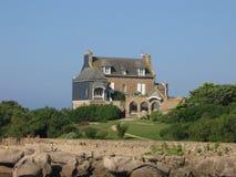 Maison bretonne sur la côte de Granit罗斯 图库摄影