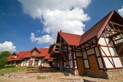 Maison checkered de bois de construction Images stock