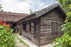 Maison commémorative du ` s de Ho Chi Minh, dépendance en bois dans le village Thaïlandais-vietnamien d'amitié dans Nakhon Phanom Photographie stock libre de droits