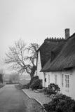 Maison couverte de chaume classique, Danemark Photos stock