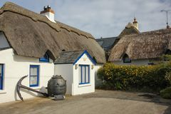 Maison couverte de chaume Kilmore Quay comté Wexford l'irlande image libre de droits