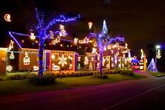 Maison décorée des lumières de Noël Photographie stock libre de droits