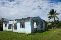 Maison détruite de cyclone Pat dans le cuisinier Island de lagune d'Aitutaki Images stock