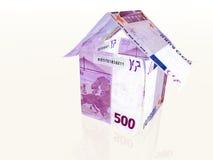 Maison d'argent effectuée à partir de 500 euro billets de banque Photographie stock libre de droits