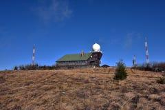 Maison d'observation sur la colline de hola de Hojsovska Photos stock