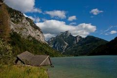 Maison dans le lac Photo libre de droits