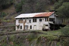 Maison de cabane de montagne Images stock