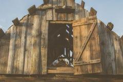 Maison de campagne Une vieille maison Chambre abandonnée Images libres de droits