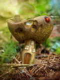 Maison de champignon d'imagination Images stock