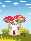Maison de champignon de couche Photo stock