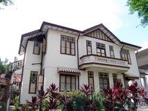 Maison de chinois traditionnel dans les tropiques Photographie stock