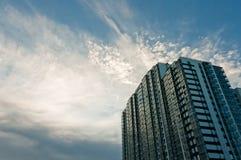 Maison de ciel et de rapport Image stock