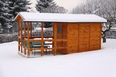 Maison de jardin en hiver Images libres de droits