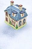 Maison de l'hiver Photographie stock