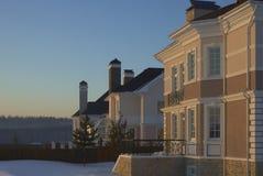 Maison de l'hiver images stock