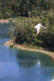 Maison de lac Photo stock