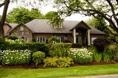 Maison de luxe de jardin Photos stock