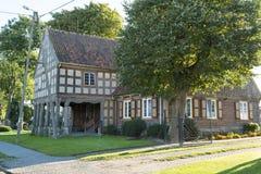 maison de Moitié-bois de construction en Pologne Image stock