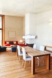 Maison de montagne, table de salle à manger Photographie stock