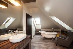 Maison de pays - salle de bains photos libres de droits