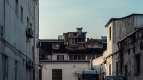 Maison de pigeon dans une ville, scène cinématographique image stock