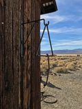 Maison de prison dans Ballarat, une ville fantôme en parc national de Death Valley image libre de droits