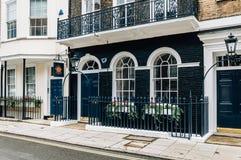 Maison de rapport élégante à Londres Images stock