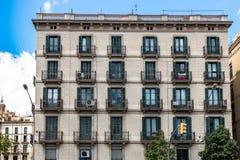 Maison de rapport à Barcelone, Espagne image stock