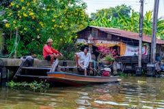 Maison de rive dans la zone rurale de la Thaïlande Photographie stock