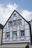Maison de style de Tudor - propriété magnifique au coeur de l'Allemagne photo stock