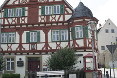 Maison de style de Tudor - propriété magnifique au coeur de l'Allemagne images libres de droits