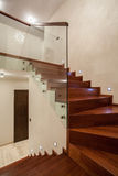 Maison de travertin - escalier photographie stock