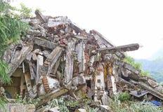 Maison de tremblement de terre Images libres de droits