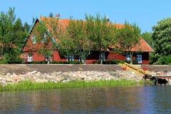 Maison de vacances de rivière Image libre de droits